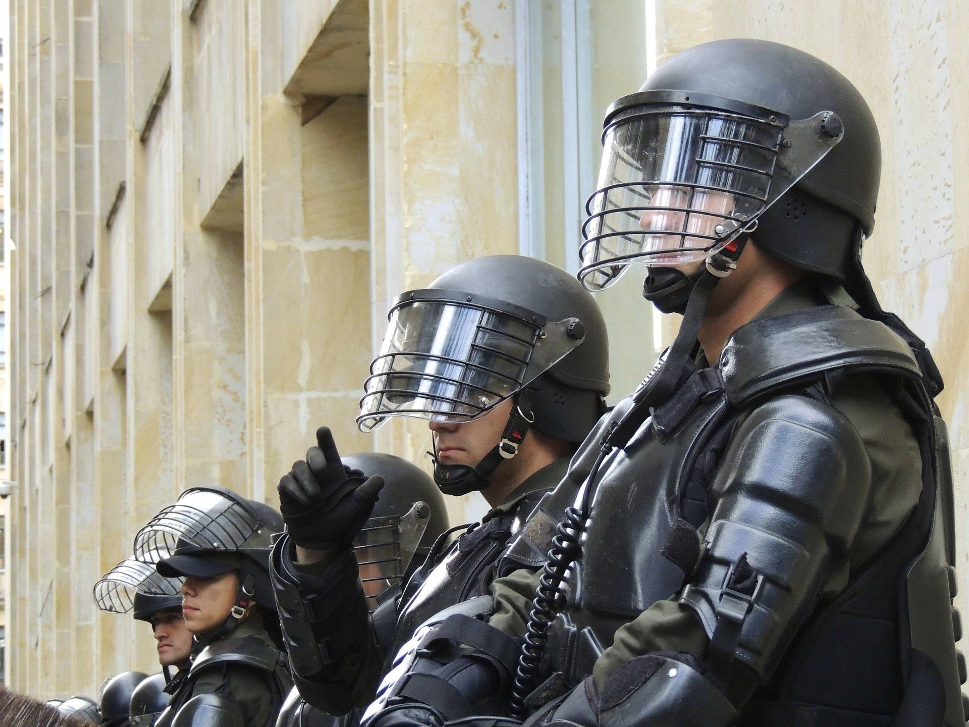 police-275875_1920